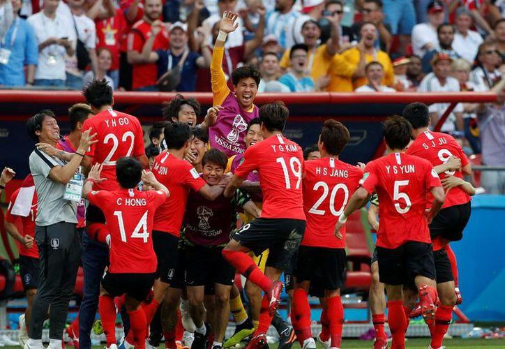 El equipo asiático necesitaba vencer a Alemania por más de dos goles y esperar que México venciera a Suecia. (Alto Nivel)