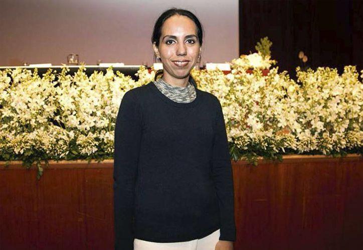 """Premian con beca a Matilde Jiménez Coello, del Centro de Investigaciones Regionales """"Dr. Hideyo Noguchi"""", por su investigación sobre la enfermedad de Chagas. (coniunctus.amc.edu.mx)"""