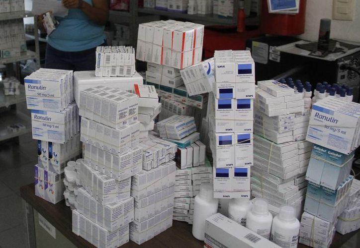 El abasto de medicamentos e insumos actualmente se encuentra por encima de 95 por ciento en 5 mil 3 unidades de salud a las que el IMSS da esos productos. (Archivo SIPSE)