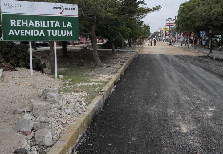 El secretario de Obras Públicas dijo que para el 2015 vienen más proyectos. (Tomás Álvarez/SIPSE)