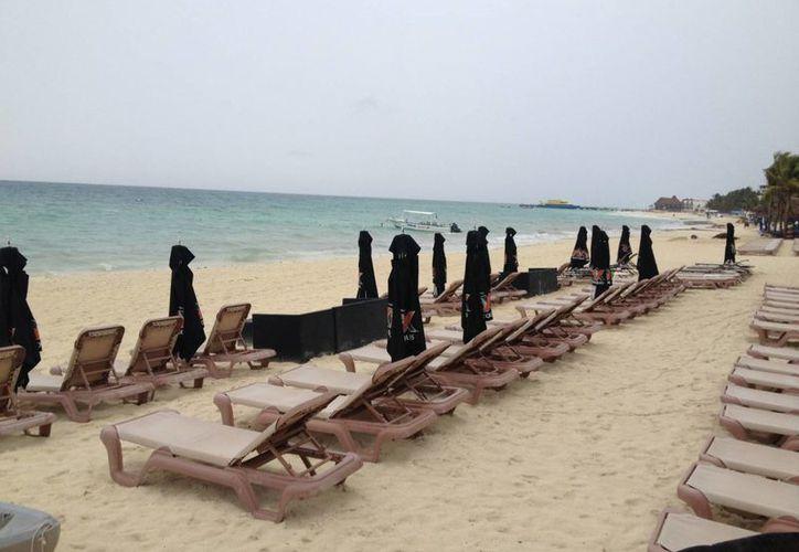 Los comercios más afectados por esta situación son los de la zona de playa. (Adrián Barreto/SIPSE)