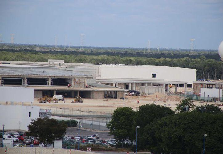 Las innovaciones tienen que estar autorizadas por Grupo Aeroportuario del sureste. (Israel Leal/ SIPSE)