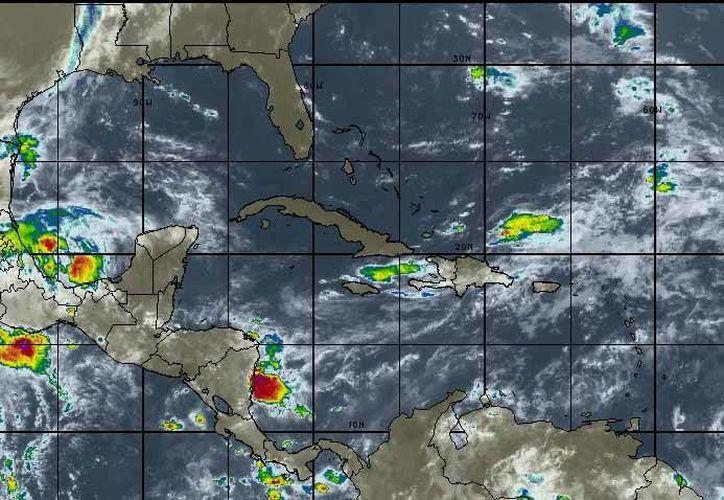 Se pronostica cielo parcialmente nublado con probabilidad de lluvias del 20 por ciento en Chetumal. (Intellicast)