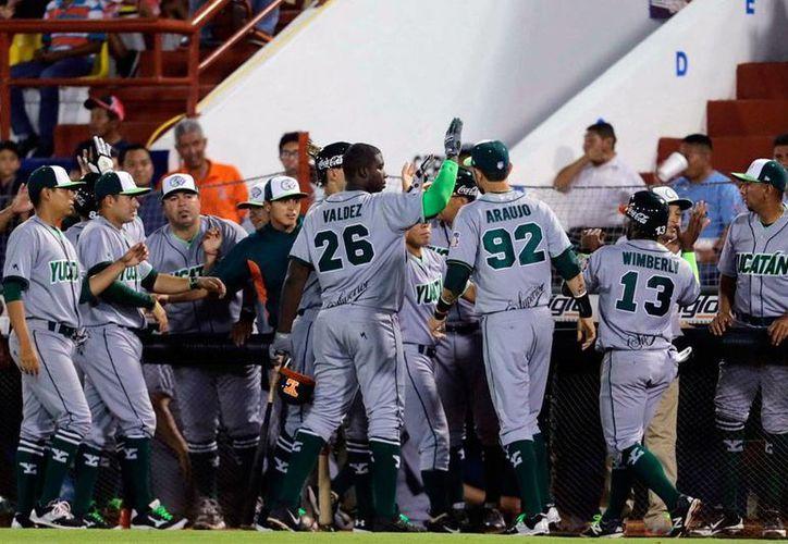 Leones de Yucatán empezó ganando el partido frente a Broncos de Tamaulipas, pero éstos respondieron con artillería pesada y lograron remontar la pizarra e incluso apalear a las fieras. (Milenio Novedades)