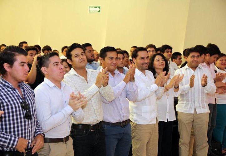 Vila Dosal durante el evento celebrado en el Aula Magna de la facultad. (Milenio Novedades)