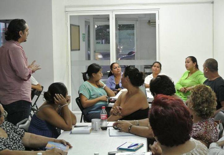 Contribuyentes pueden acudir a los talleres de capacitación del Imes. (Cortesía/SIPSE)