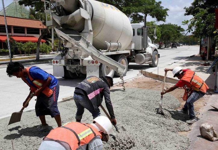 Avanza a buen ritmo la pavimentación con concreto hidráulico en Prolongación de Montejo. (Cortesía)