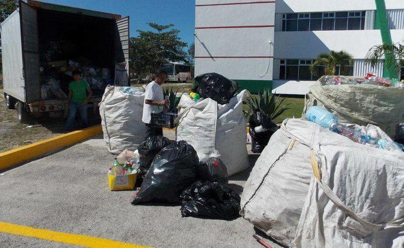 En el Reciclatón de abril, se recibieron cuatro toneladas de plástico. (Facebook/Ecologia-Cancun)
