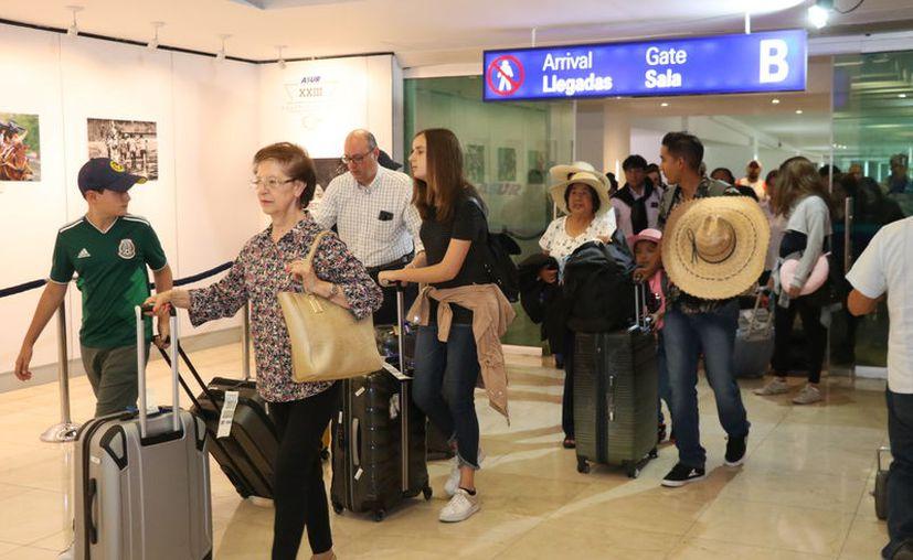 Vacunarse al viajar es prevenir. (Daniel Sandoval/Novedades Yucatán)