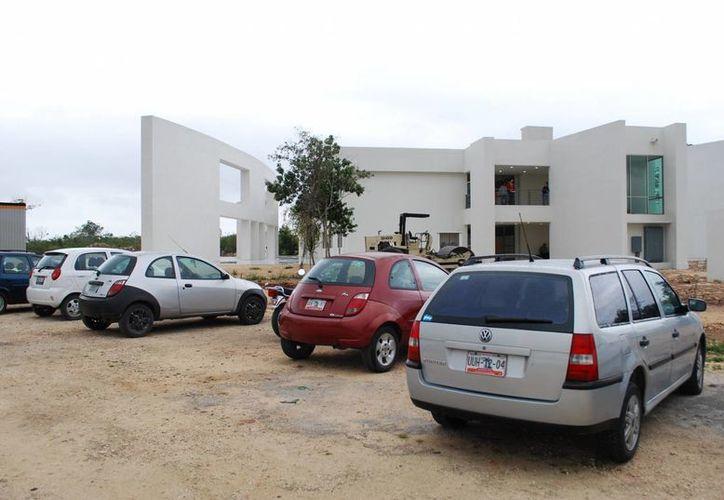 La primera etapa de la Universidad Politécnica de Cancún está lista, después de ocho meses de espera. (Tomás Álvarez/SIPSE)