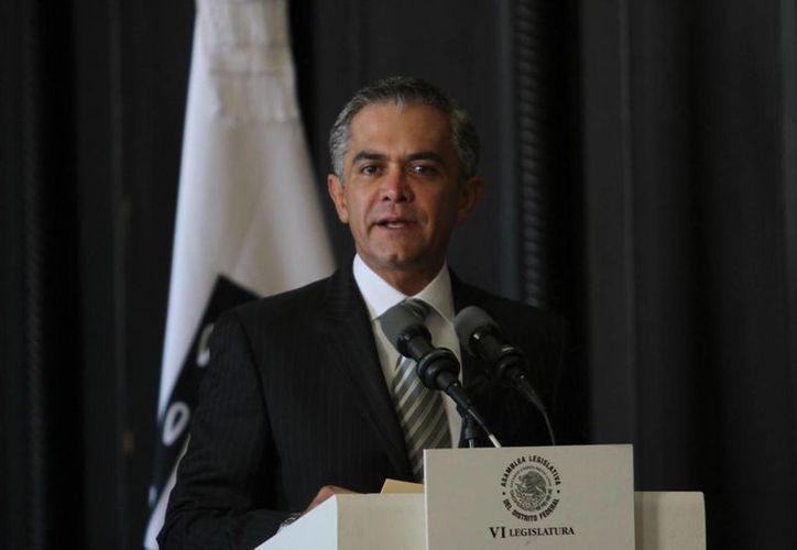 Miguel Ángel Mancera indicó que helicópteros sobrevolarán las zonas limítrofes del Distrito Federal el tiempo que sea necesario. (Notimex)