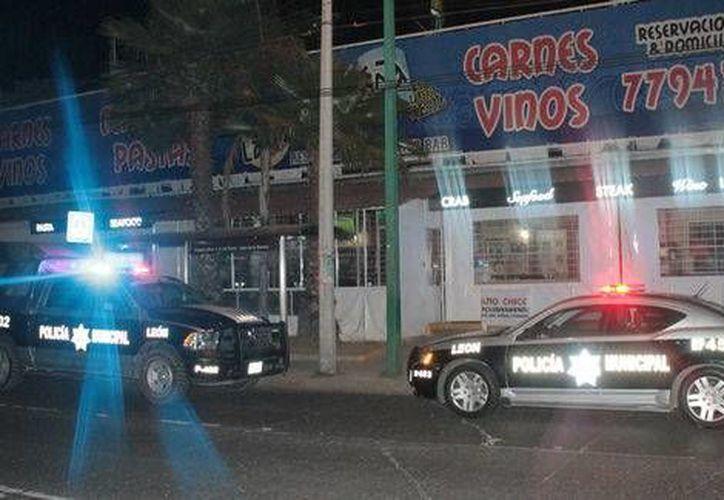 Se analizarán videos de vigilancia del restaurante y de la zona, para ver si pueden identificar a los asaltantes. (Milenio/Foto especial)
