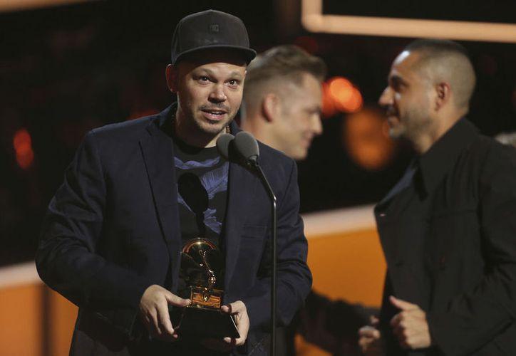 Residente, fundador del legendario grupo de hip-hop Calle 13, ganó el premio al 'mejor disco de rock latino, urbano o alternativo'. (SIPSE)