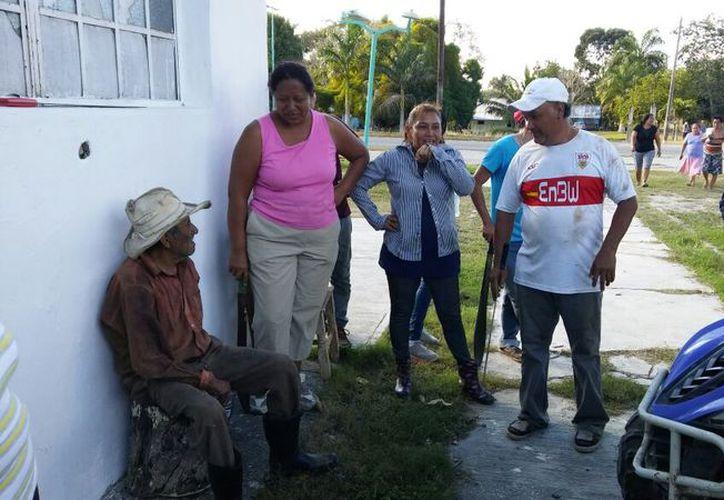Don Marciano se encontraba deshidratado y cansado, sin embargo no fue necesario trasladado al hospital. (Foto: Carlos Castillo)