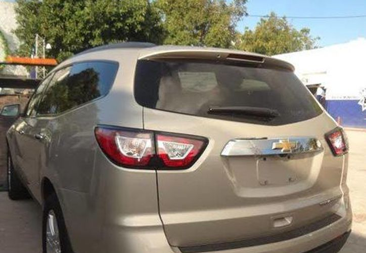El vehículo que fue asegurado por las autoridades policíacas. (Redacción/SIPSE)