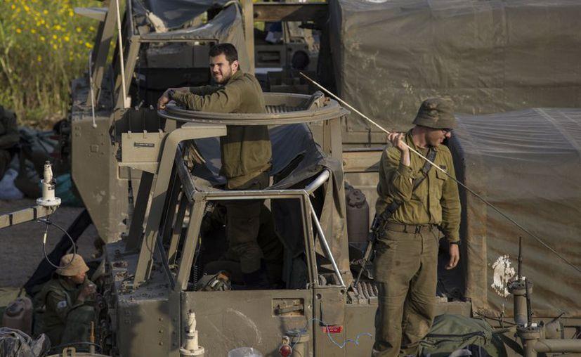 Soldados israelíes fueron seducidos de manera virtual por grupos de Hamas, para obtener información confidencial. (Foto: Archivo AP).
