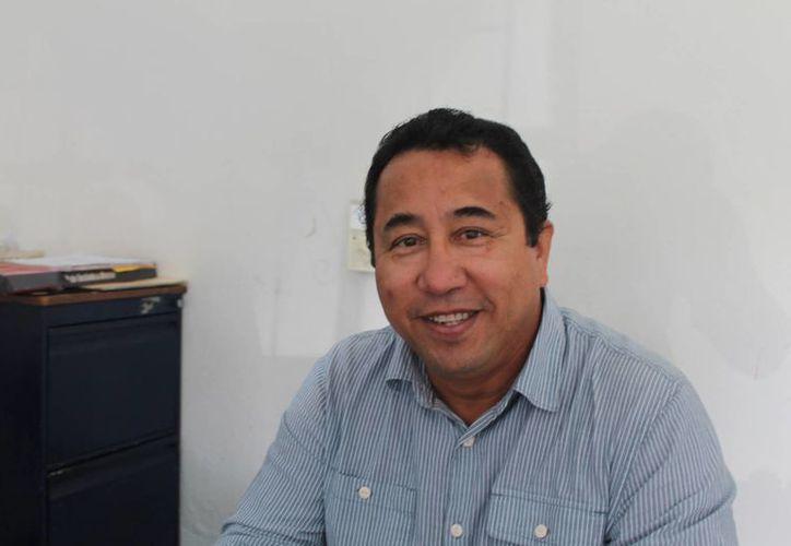 Joselín Ávila Correa durante una conferencia de prensa. (Raúl Balñam/SIPSE)