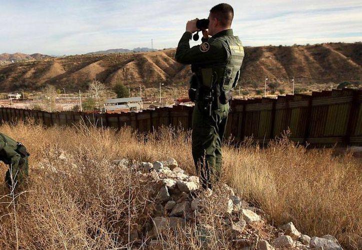 La Patrulla Fronteriza lamentó la pérdida del agente Manuel Álvarez, quien falleció en un accidente vehicular. (Agencias)