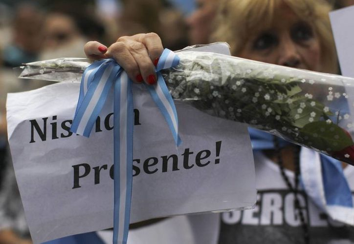 Transcurridos más de siete meses desde su muerte, la investigación aún no ha determinado si el fiscal Alberto Nisman se suicidó o fue asesinado. Juez ordena la investigación de la madre y hermada del fallecido. (EFE/Archivo)
