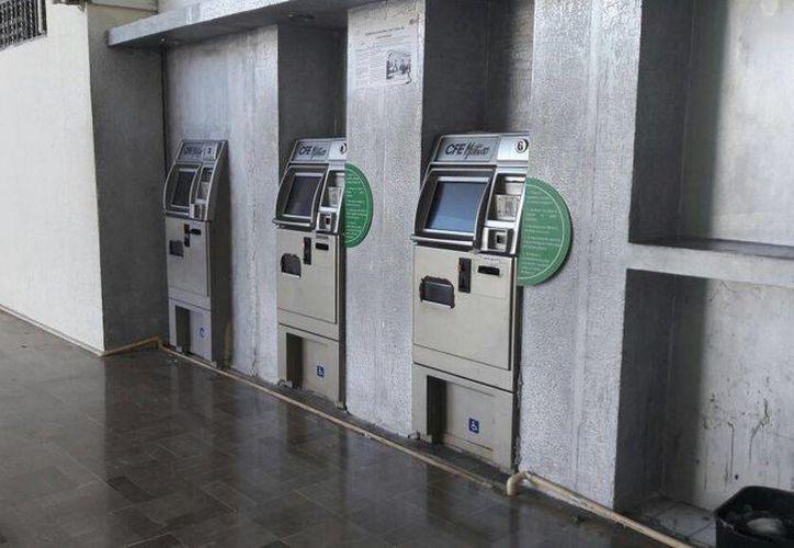 Cinco de cada 10 cajeros no funcionaban en la capital del Estado por la falta de electricidad. (Foto: Eddy Bonilla)