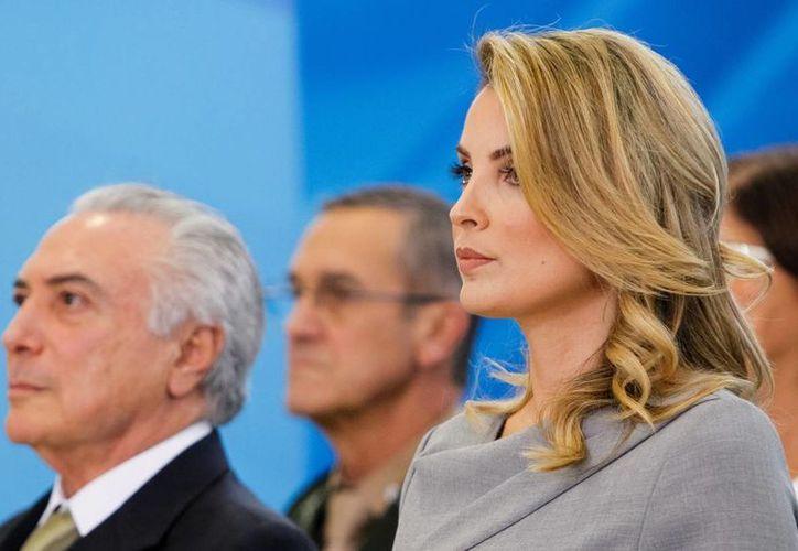 La belleza de Marcela Temer ha llamado la atención de los brasileños y la prensa internacional: algunos la llegaron a comparar con la reina María Antonieta de Francia. (osul.com.br)