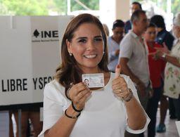 Mara Lezama ejerce su voto y llama a participar en la jornada