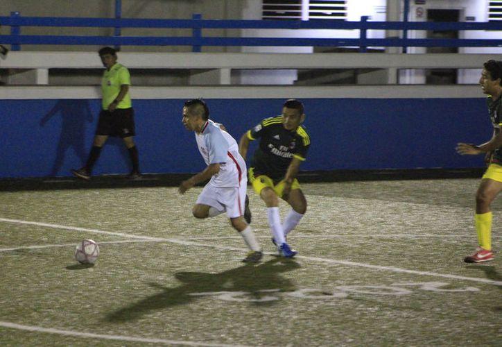 La fiesta grande de la Liga de Fútbol Rápido de la Unidad Romero Molina arrancó este martes. (Miguel Maldonado/SIPSE).