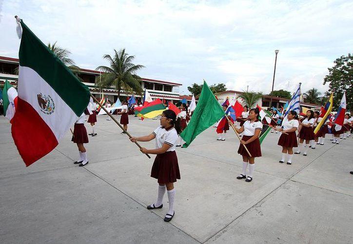 """El evento se realizó en la escuela secundaria """"Octavio Paz"""". (Cortesía/SIPSE)"""
