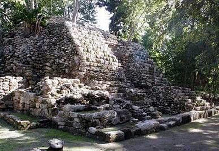 En Quintana Roo se estima hay más de mil zonas arqueológicas, pero insistió en que la falta de presupuesto y personal hace imposible su apertura. (Archivo/SIPSE)