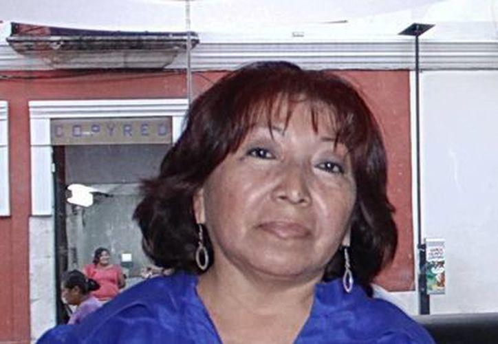La diputada panista Judith Malta y Monforte fue víctima de las aceras resbalosas. (SIPSE)