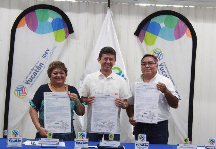 Carlos Sáenz, Magaly Cruz Nucamendi y Daniel Espejo Pérez. (Foto:Novedades Yucatán)