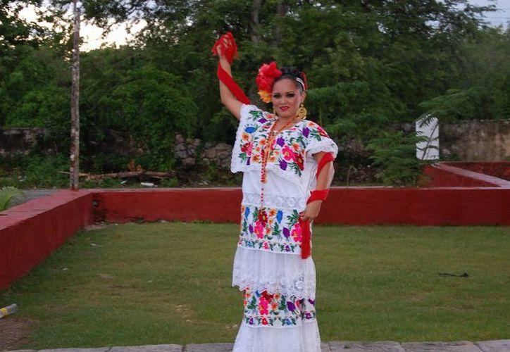 La representante de Progreso es la joven Claudia Valentina Patrón Rivera. (Manuel Pool/SIPSE)