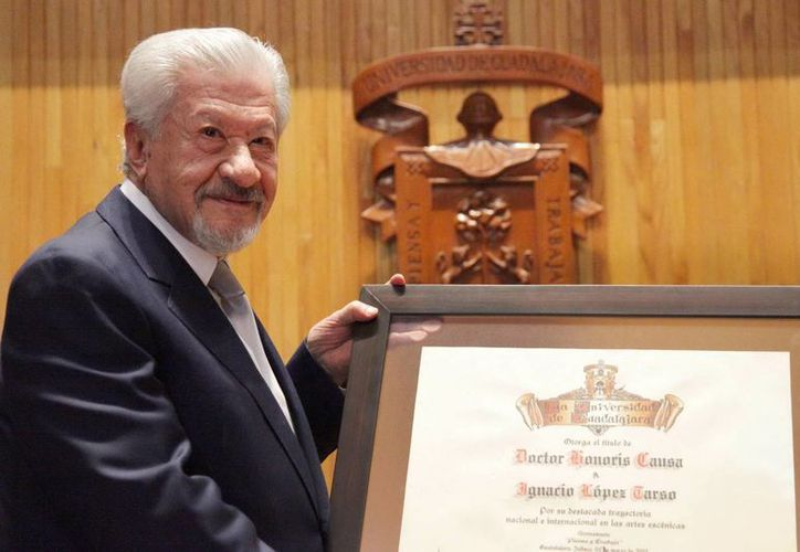 López Tarso fue reconocido por la Universidad de Guadalajara, por su destacada trayectoria en las artes escénicas a lo largo de 65 años. (Notimex)