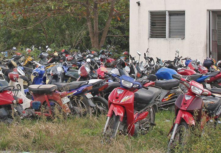 Corralón donde concentran motocicletas. (Jesús Tijerina/SIPSE)