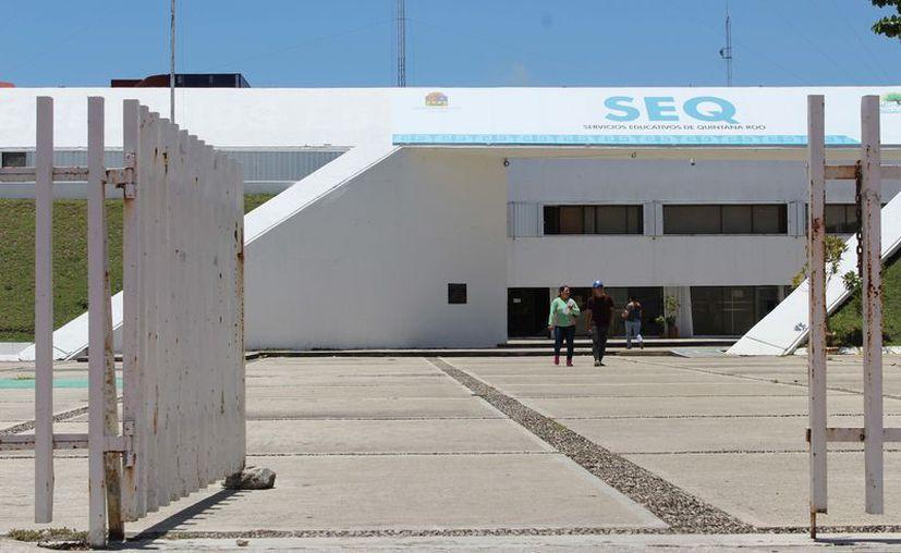 Más de 50% de los 15 mil docentes fueron afectados por las autoridades pasadas por incumplir con el pago de terceros institucionales. (Joel Zamora/SIPSE)