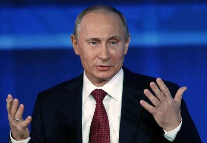 'Nuestras armas y equipo militar sigue siendo muy buscados en el mercado mundial', dijo Vladimir Putin en el Foro Internacional Técnico Militar del Ejército 2015 en Rusia.