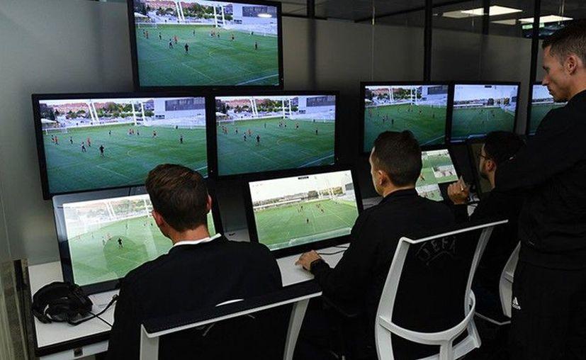 La presión ejercida por los errores cometidos en la fase de grupos este año ha contribuido también a su adelanto. (UEFA)
