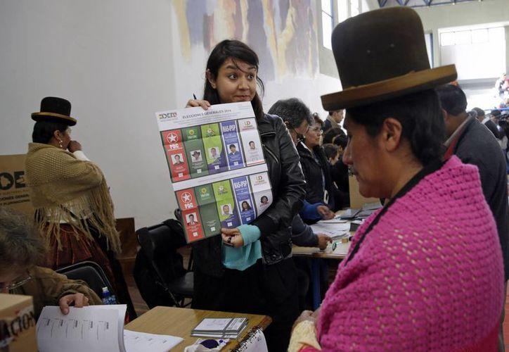 Las elecciones en la ciudad de La Paz, capital de Bolivia, país que hoy celebró elecciones generales. (AP)