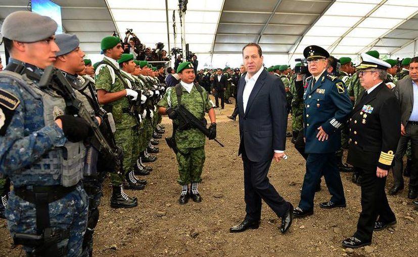 En el Estado de México se encuentran ocho de los 50 municipios más inseguros de la República, reconoció el gobernador Eruviel Ávila ante el Secretario de Gobernación. (Facebook/Eruviel Ávila)