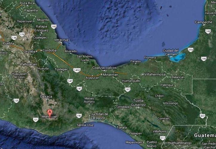 En el sitio donde fue ejecutado  Omar Fabián Reyes, exalcalde de Miahuatlán (mapa) fueron hallados seis casquillos percutidos. (Google Maps)
