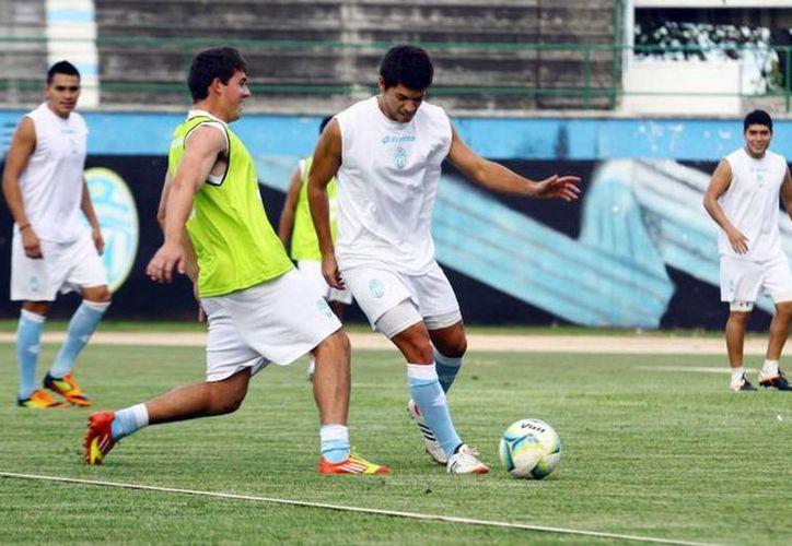 Llegan seis jugadores de primera división, en calidad de préstamo, a reforzar al club meridano. (clubdefutbolmerida.com.mx)