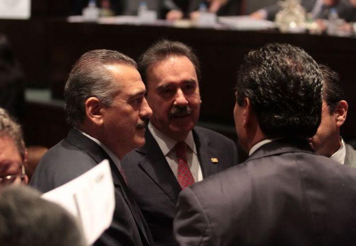 Los legisladores, Manlio Fabio Beltrones, Emilio Gamboa y Silvano Aureoles. (Notimex)