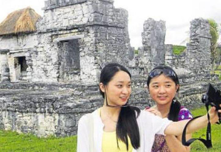 En los primeros ocho meses del año arribaron a Cancún 12 mil 239 visitantes chinos. (Foto de Contexto/SIPSE)