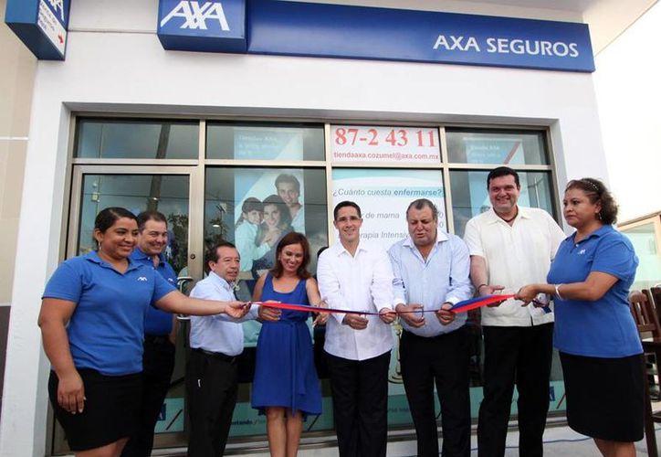 Inauguración de la empresa de seguros AXA. (Cortesía/SIPSE)