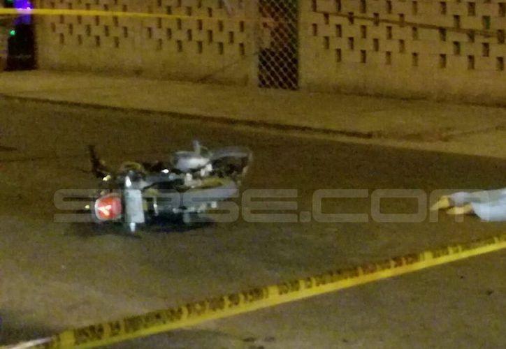 Un accidente de moto dejó como saldo una mujer muerta, en la colonia Los Reyes, en Mérida. (SIPSE)