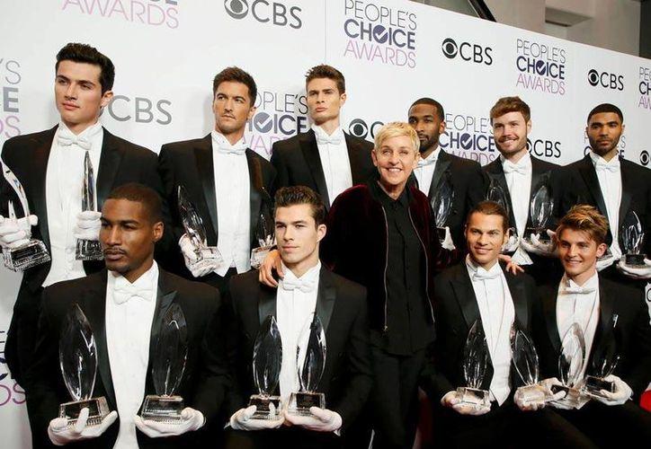 Ellen DeGeneres se convirtió en la máxima ganadora de los Premios  People's Choice, al llegar a 20 galardones en su carrera.(Jordan Strauss/AP)
