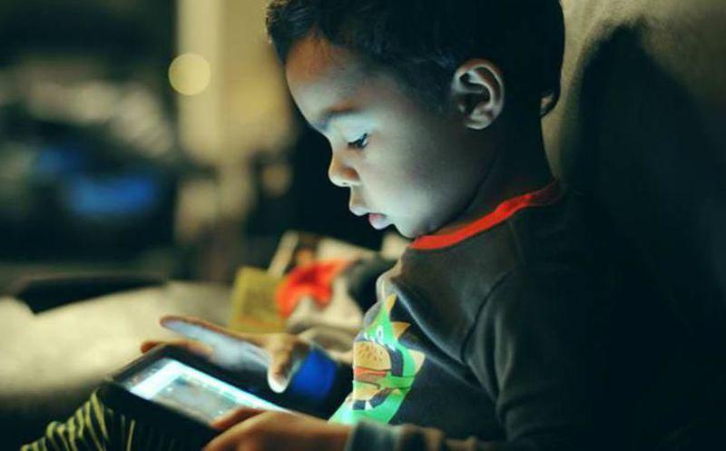 Daños en el cerebro a niños por usar mucho tiempo celulares