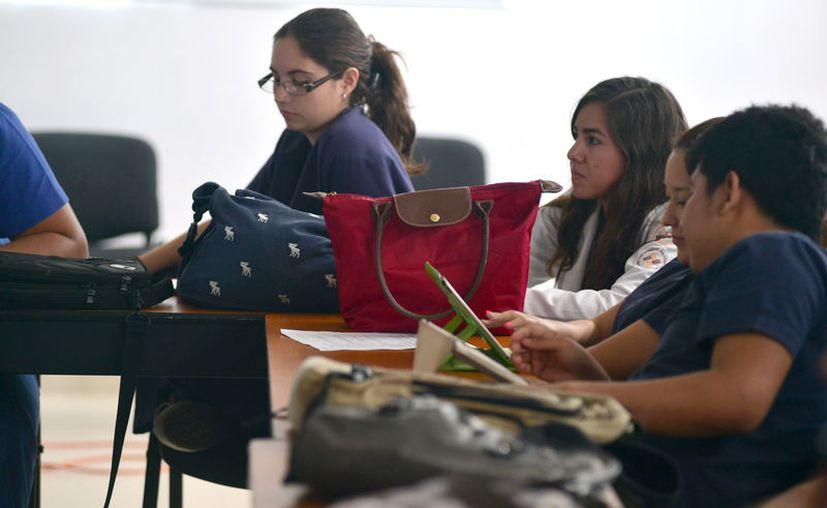 La mujer yucateca incursiona con firmeza en el ámbito educativo. (Foto: MIlenio Novedades)