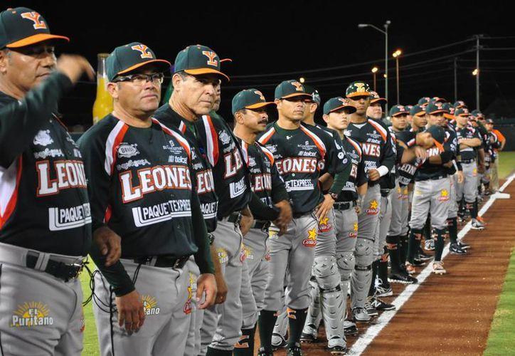 Los Leones de Yucatán perdieron el partido inaugural ante Campeche. (SIPSE)
