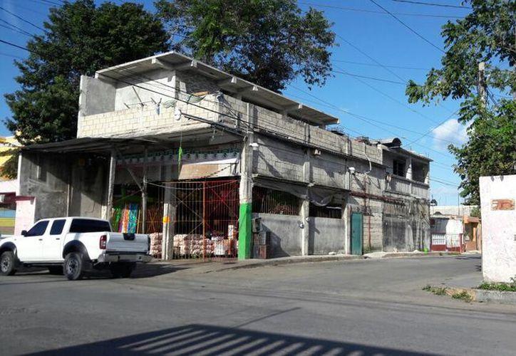 El negocio se ubica en el lote 16, manzana 15, de la Región 90. (Eric Galindo/SIPSE)